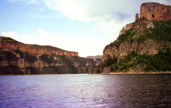 Bighorn Canyon National Recreation Area, Copyright 1999 - 2000, OutdoorPlaces.Com, All Rights Reserved