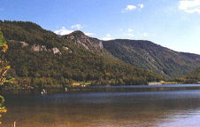 Scenic Echo Lake In Franconia Notch State Park, New Hampshire, Copyright 1999 - 2000, OutdoorPlaces.Com, All Rights Reserved